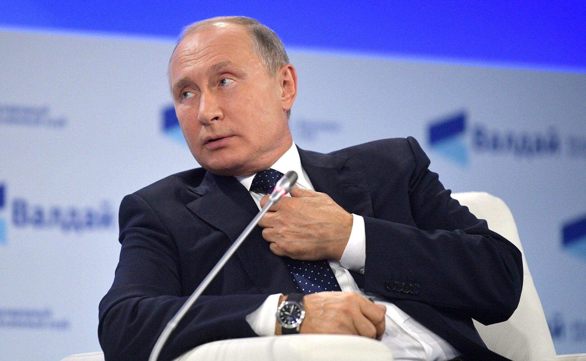На фото изображен Владимир Путин.