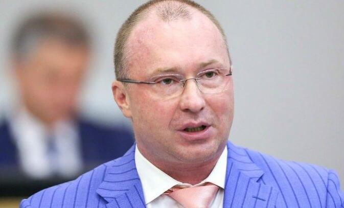 Сын Жириновского - Игорь Лебедев.